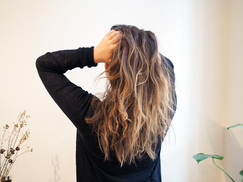 Hiusten luonnollisempi vaalennus